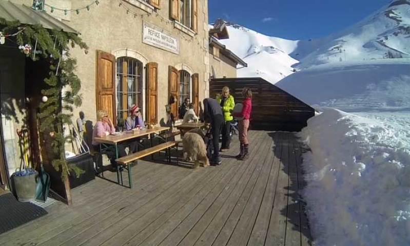 Que faire à Briançon ? Passez une nuit en refuge au ski
